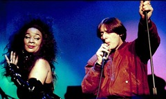 Happy-Mondays-Rowetta-Sat-live_2b