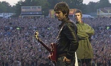 Oasis_Noel-and-LiamGallagher-a-002