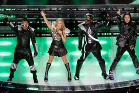 black-eyed-peas-live-at-the-2011-super-bowl-255328